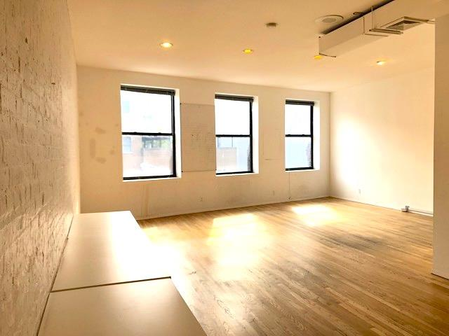 SoHo Museum Building - SoHo Office Suite / Event Space