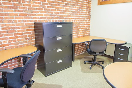 ReadiSuite - Veronica Building - Monthly Team Office 204