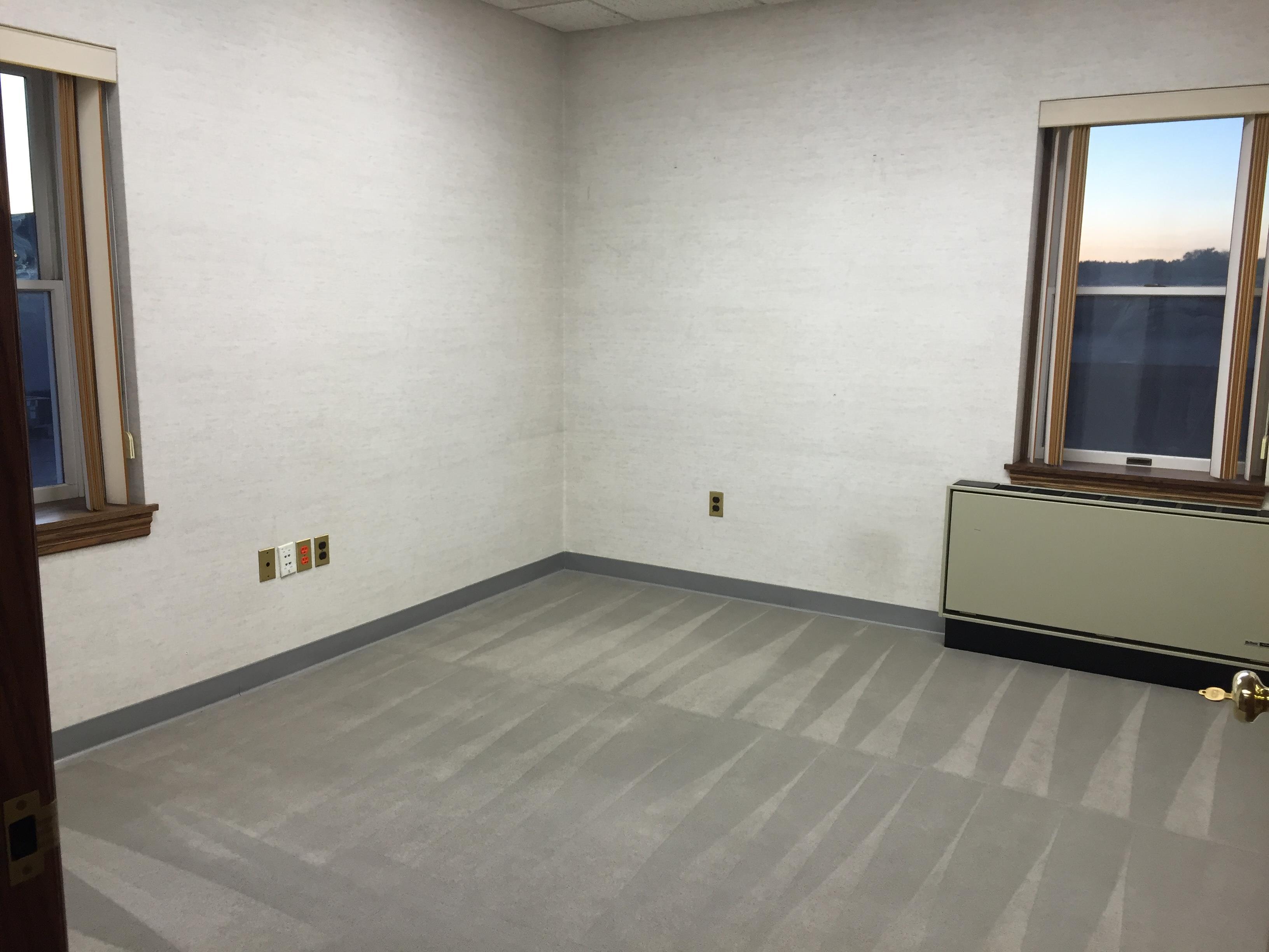 Emek Properties - Office 302