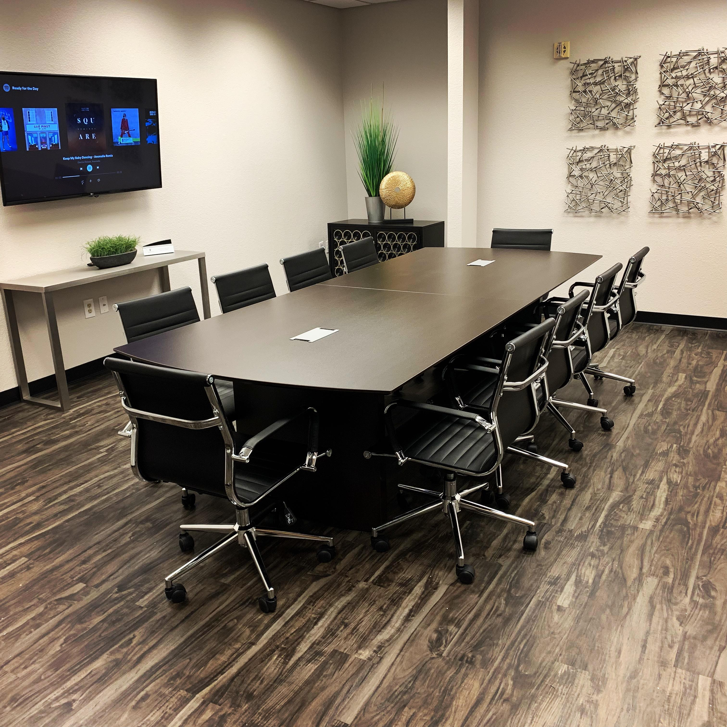 Privé Offices - Meeting Room