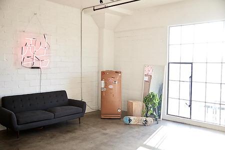 Studio 319 - Dedicated Desk 1