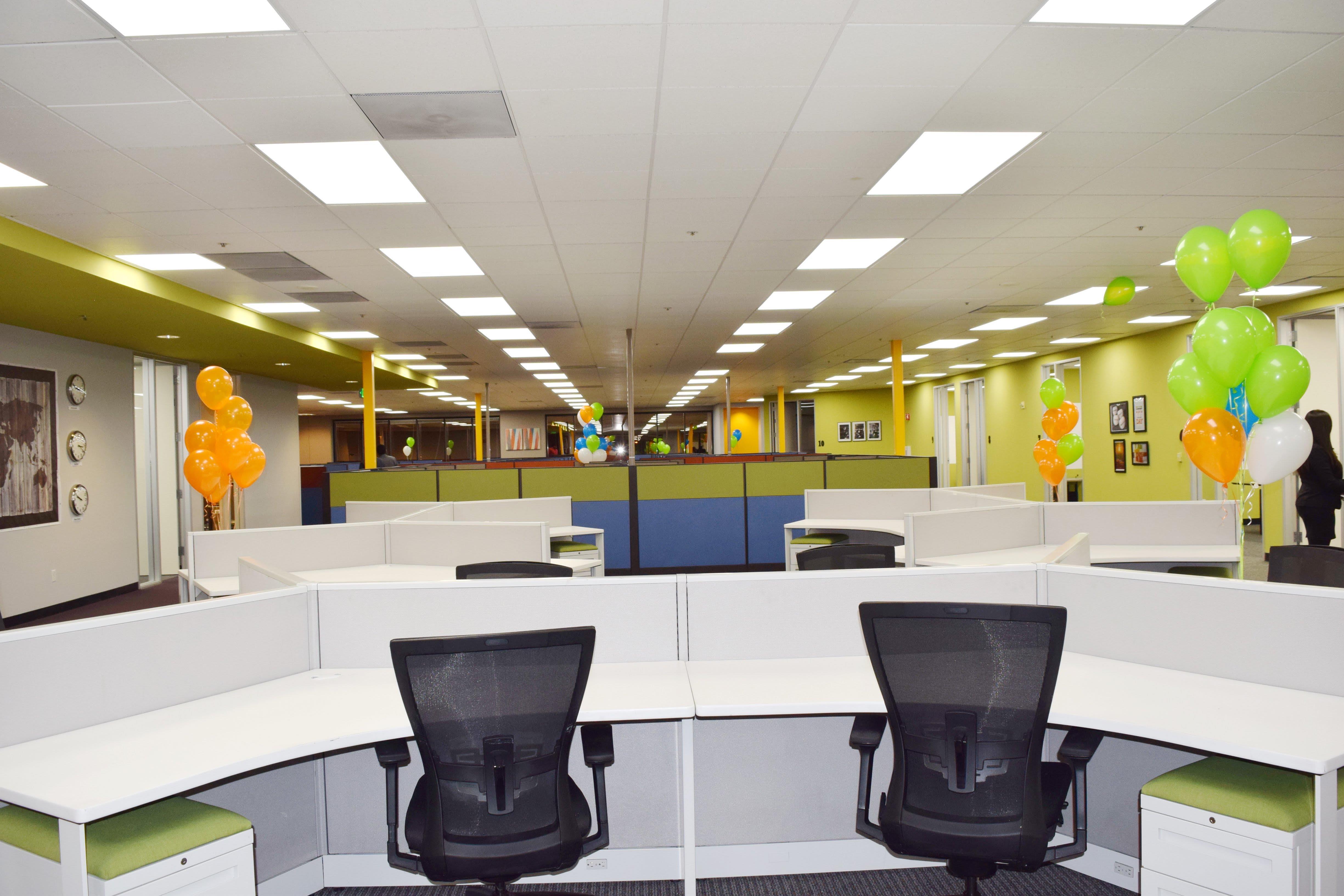 FalconX Incubator Accelerator - Suite 4 : Team Office for 8 people