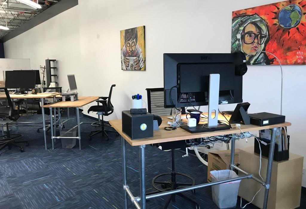 PAIRIN - 10 Desks Available