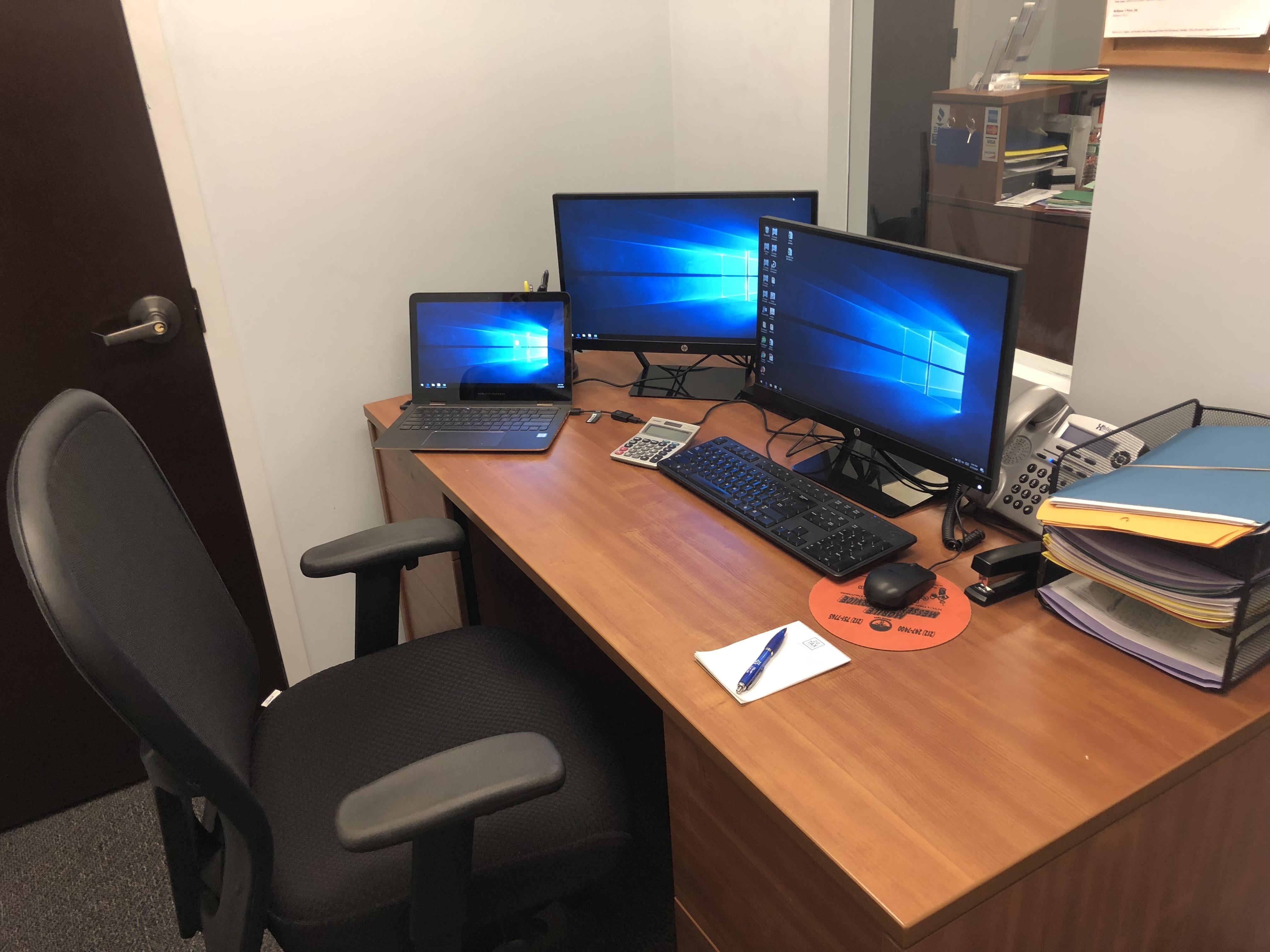 Tax & Accounting - Semi-Private Desk