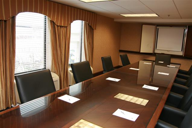 Hampton Inn & Suites Alexandria Old Town Area South - Jefferson Boardroom