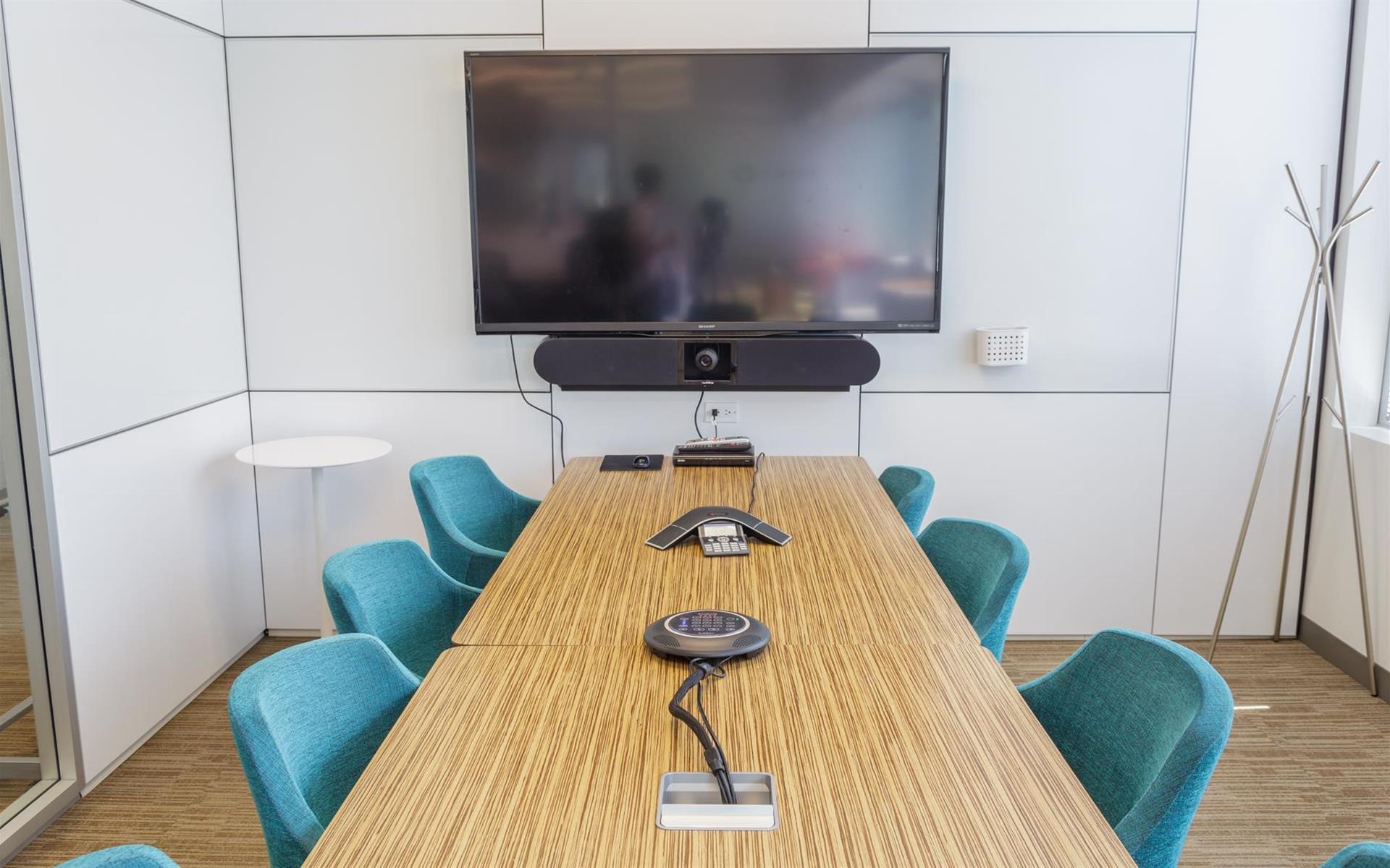 NGIN Workplace - Meeting Room - Giza Necropolis