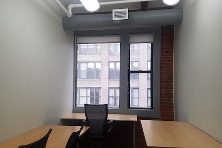 Coalition: Boston - 3-4 Person Private Workspace (R04)