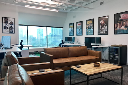 MakeOffices | Magnificent Mile - Large Corner Window Office (fits ~12)