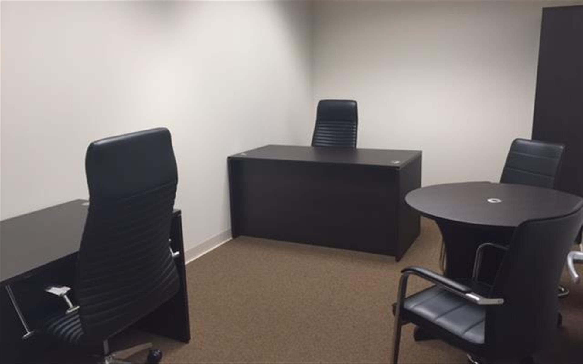 Empire Executive Offices - Office 1714  (Interior)