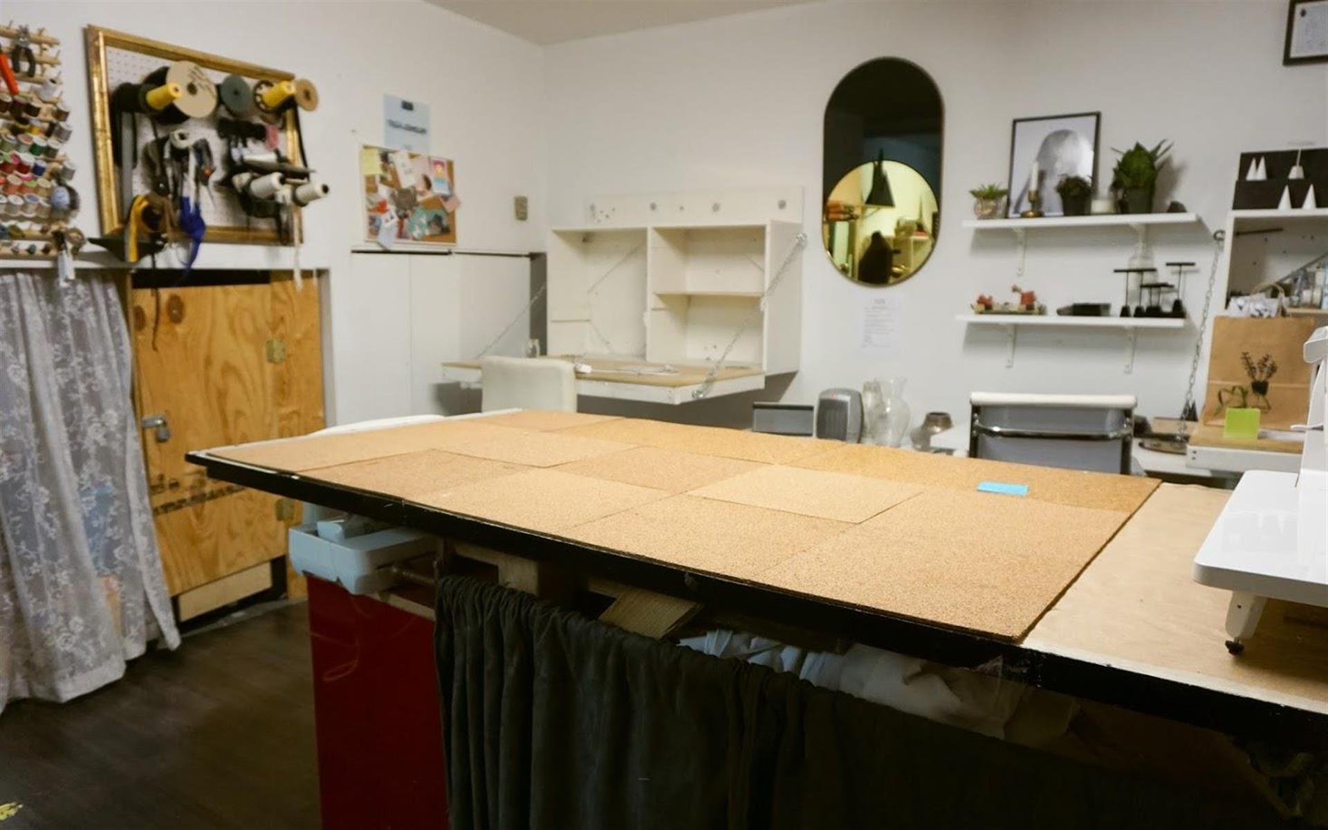 XY Atelier - Dedicated Desk in Co-Working Studio