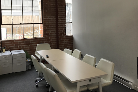 Starfish Mission - Blockchain Coworking, Industry Hub - Side Meeting Room - Acoustic