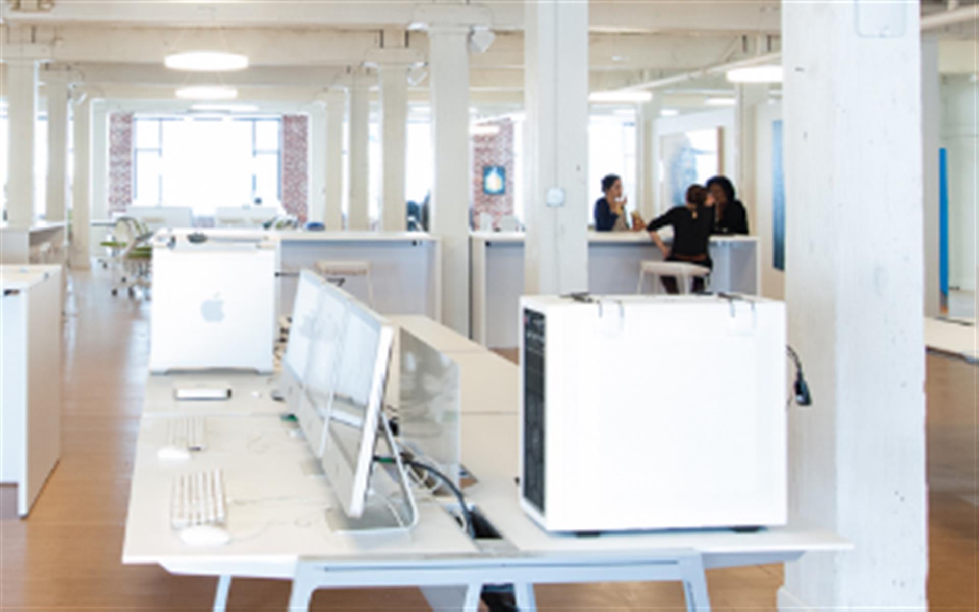 ECO-SYSTM - Dedicated Desk