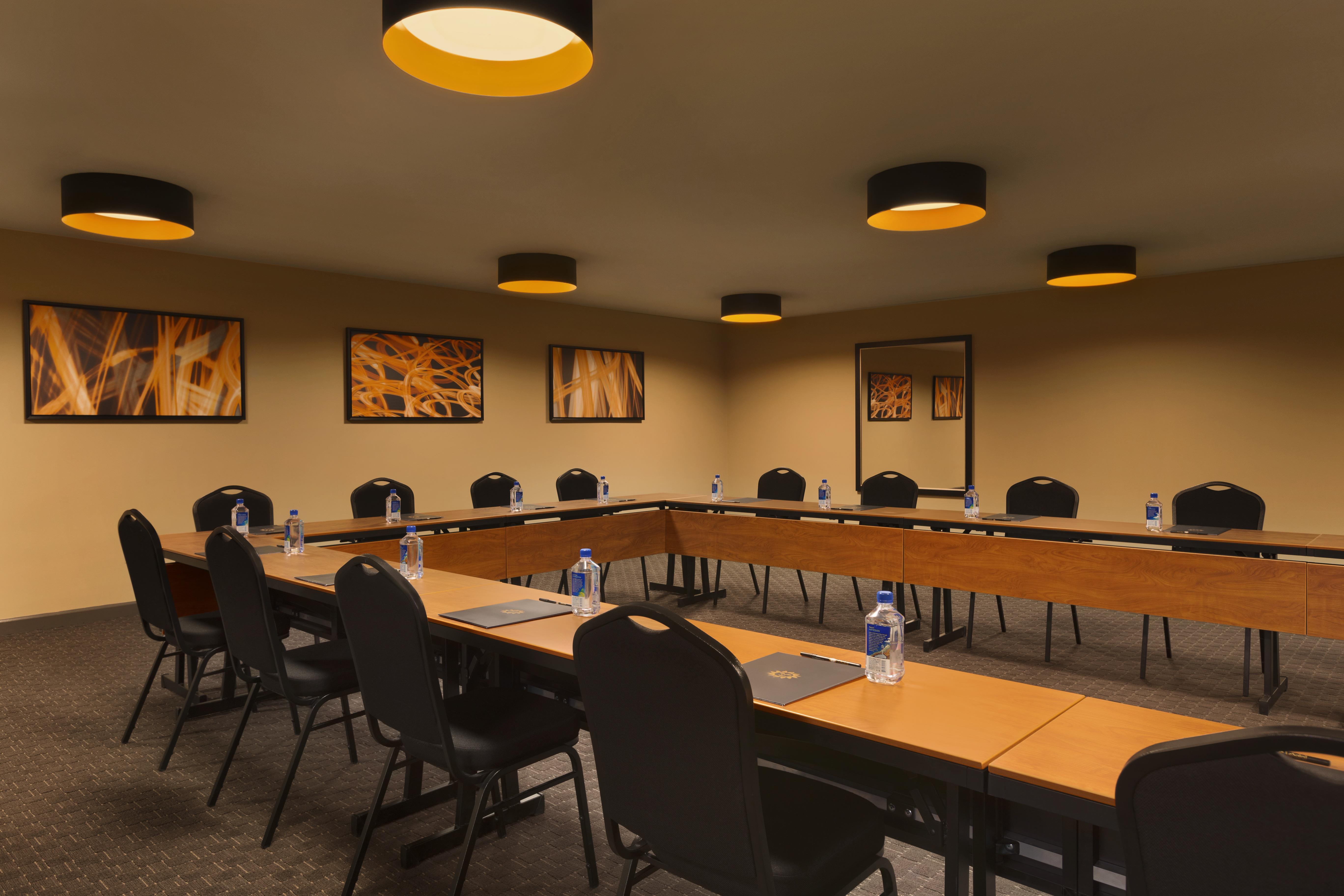 Hotel Le Soleil - Bon Vivant Meeting Room
