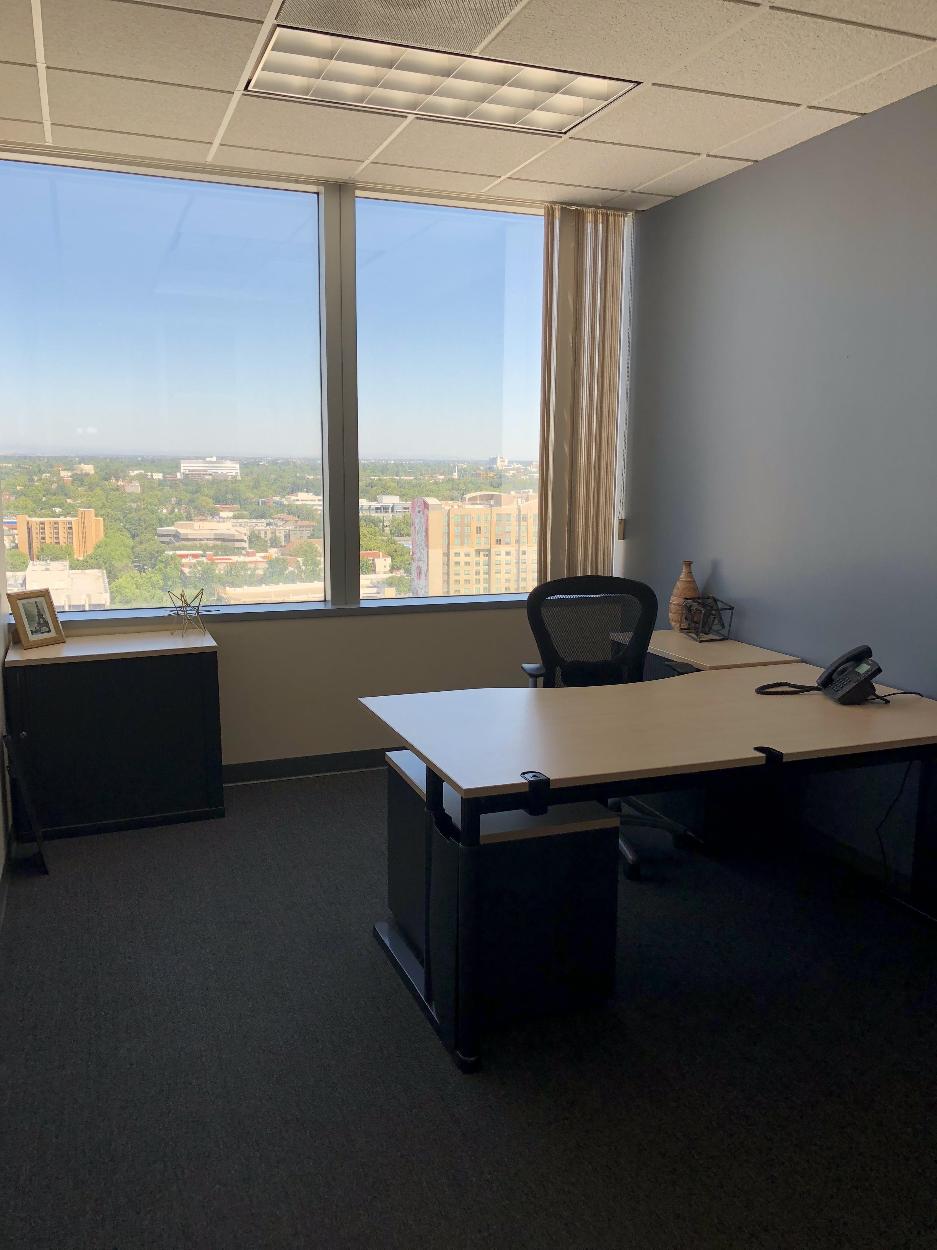 Regus | Esquire Plaza - Office 1727