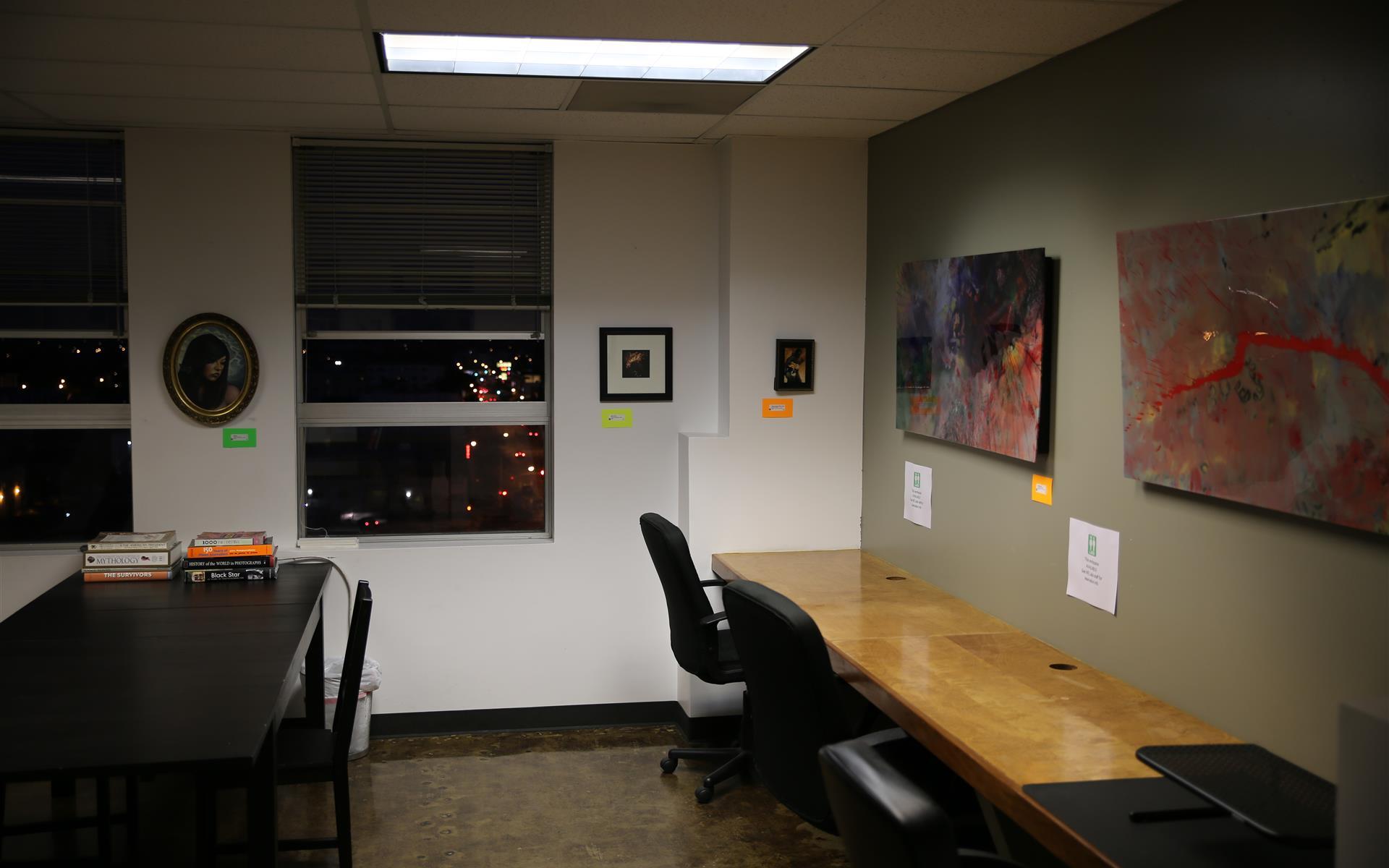 Work Evolution - Dedicated Desk (month to month)