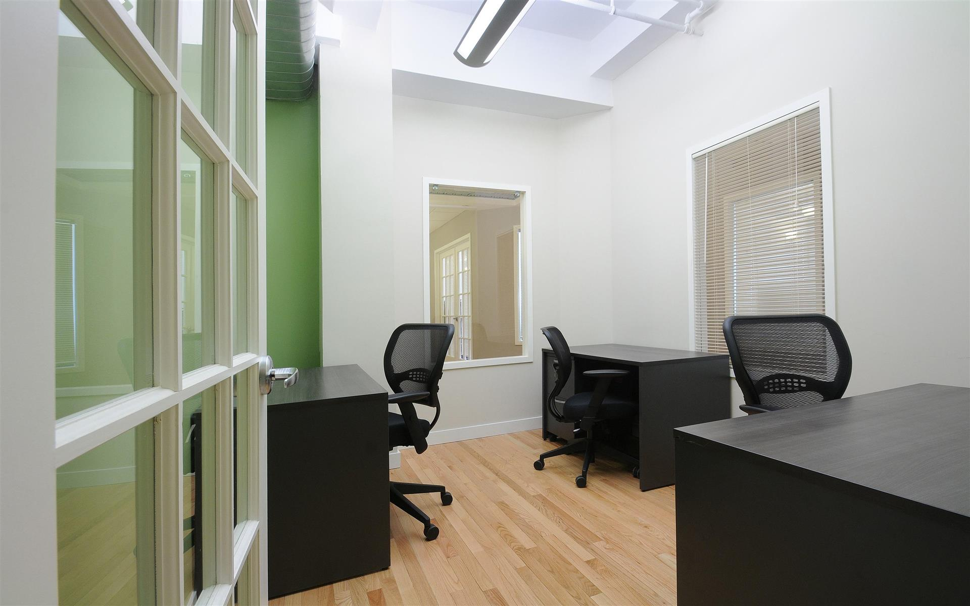 Select Office Suites - 1115 Broadway Flatiron NYC - Private Office for 2-3 people