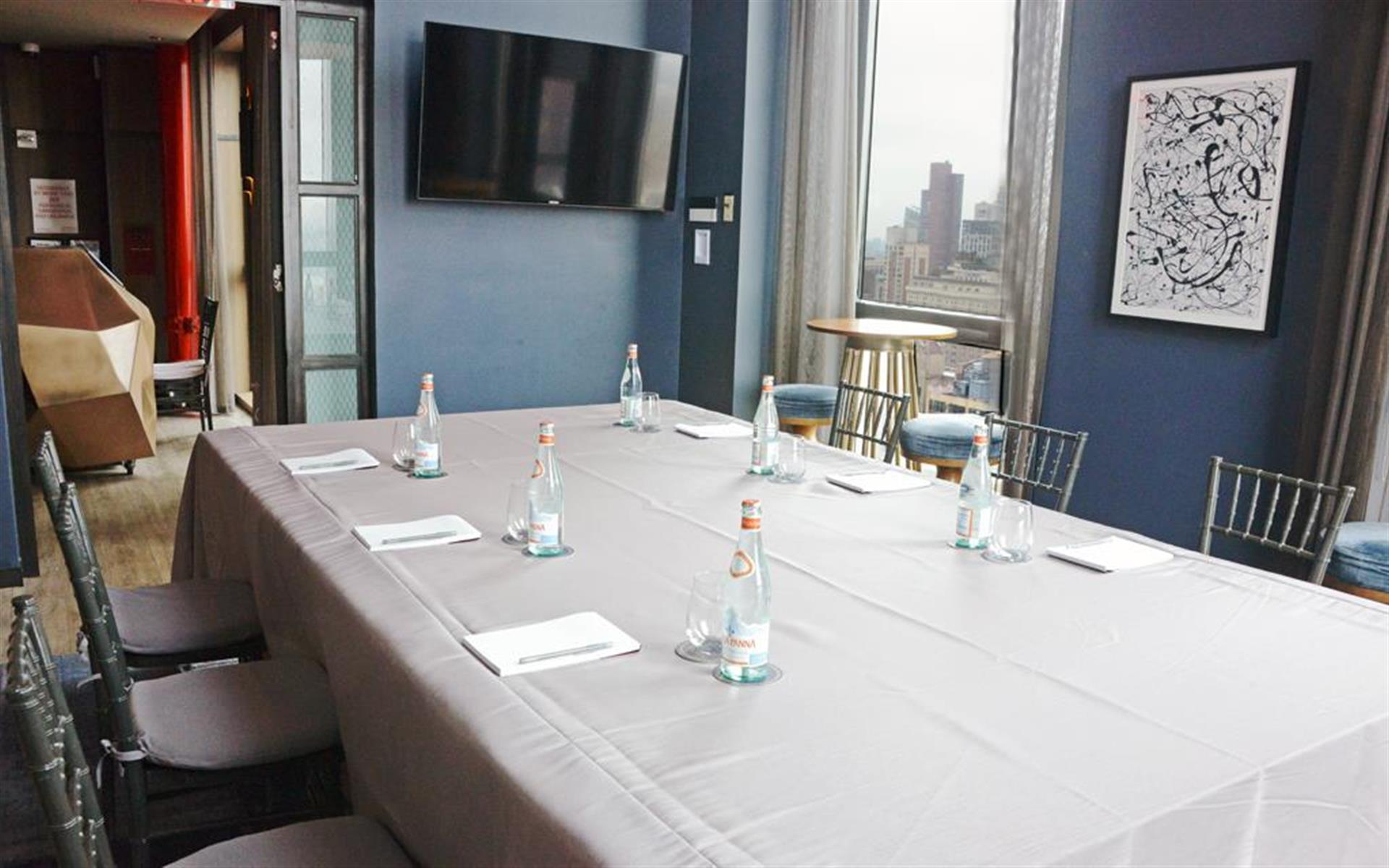 The Skylark - Midtown West - Private Meeting Room for 8 near Times Sq