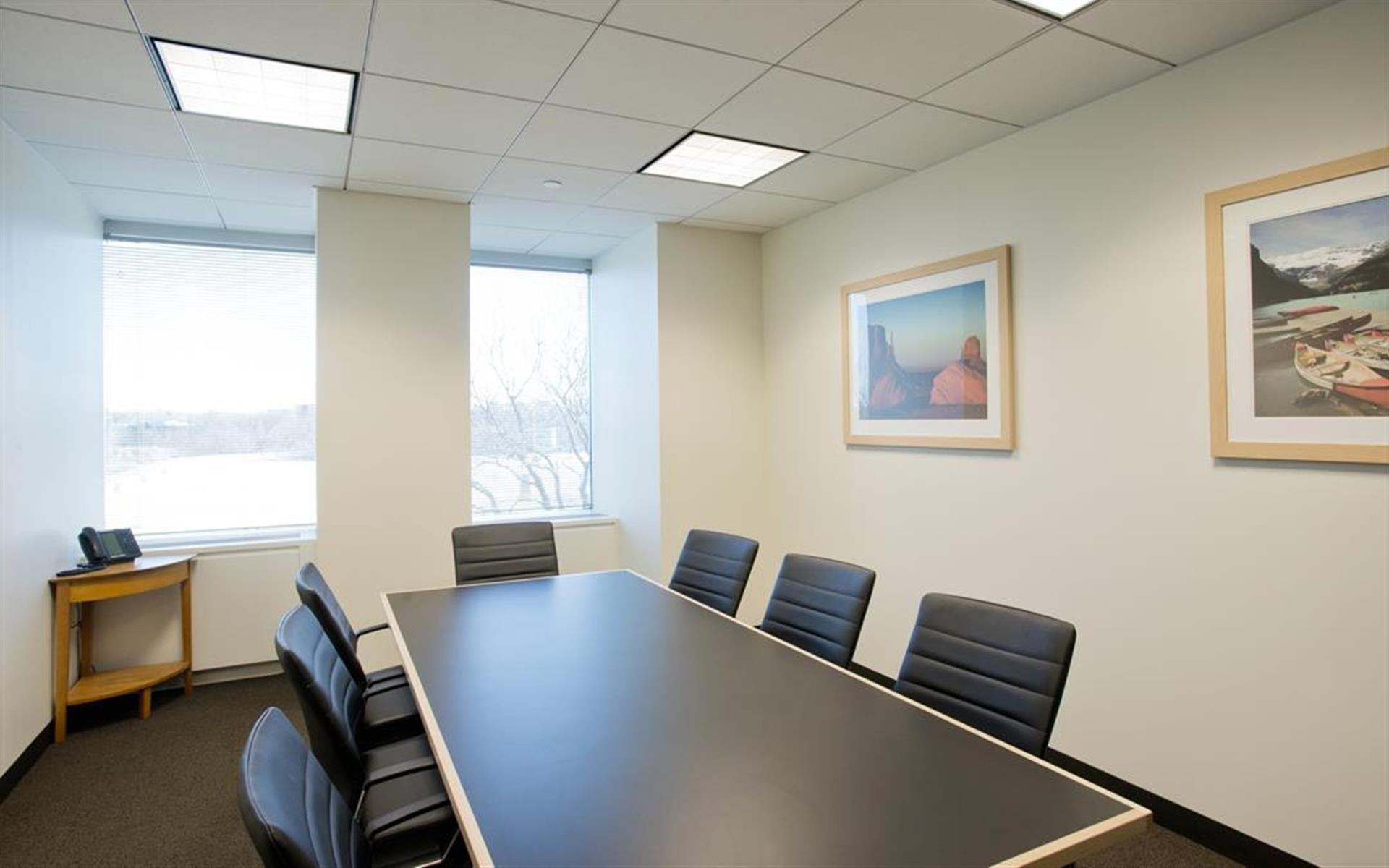 Intelligent Office Uniondale - Meeting Room 2