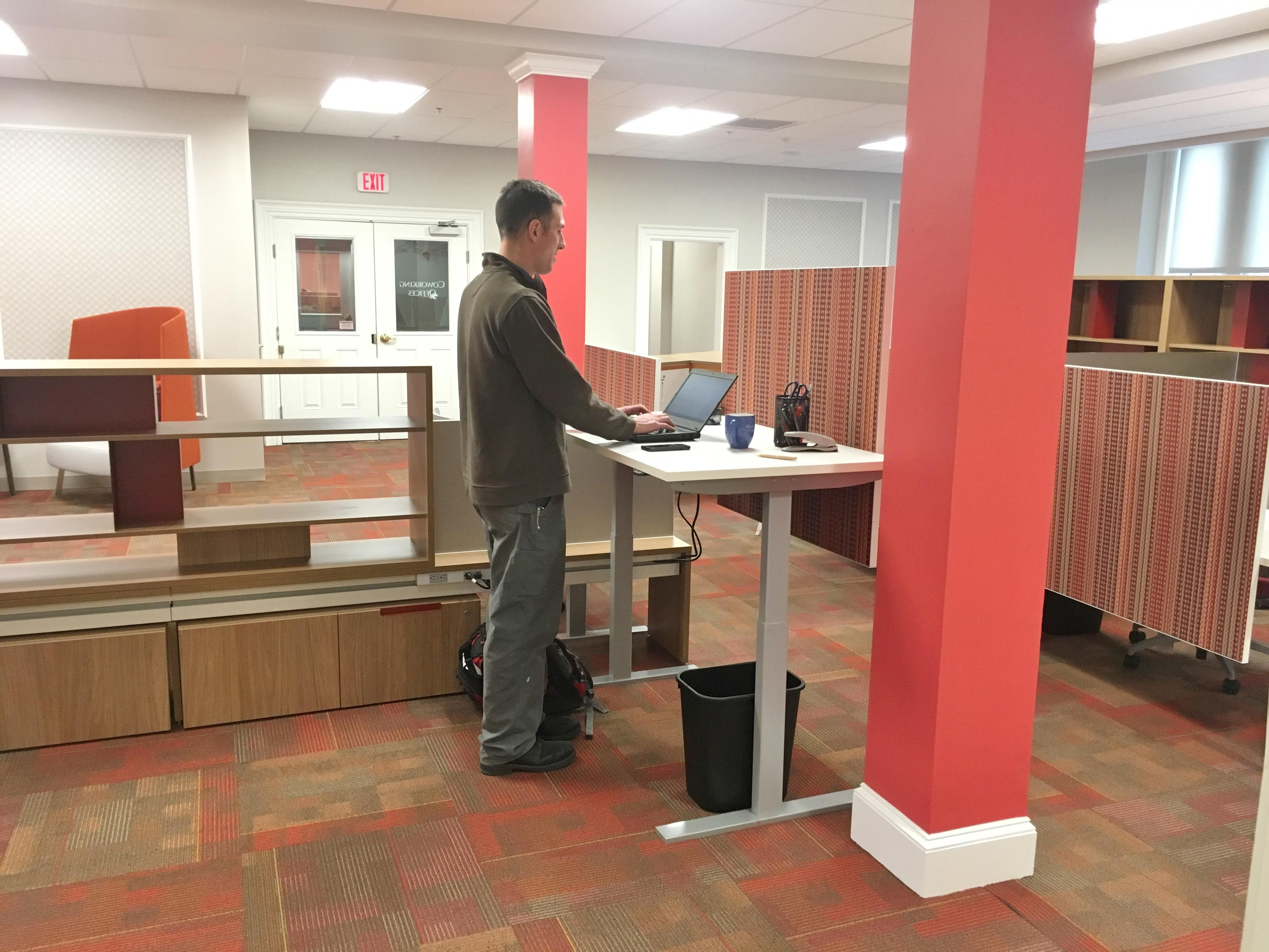 Red Oak Coworking Offices - Coworking Station