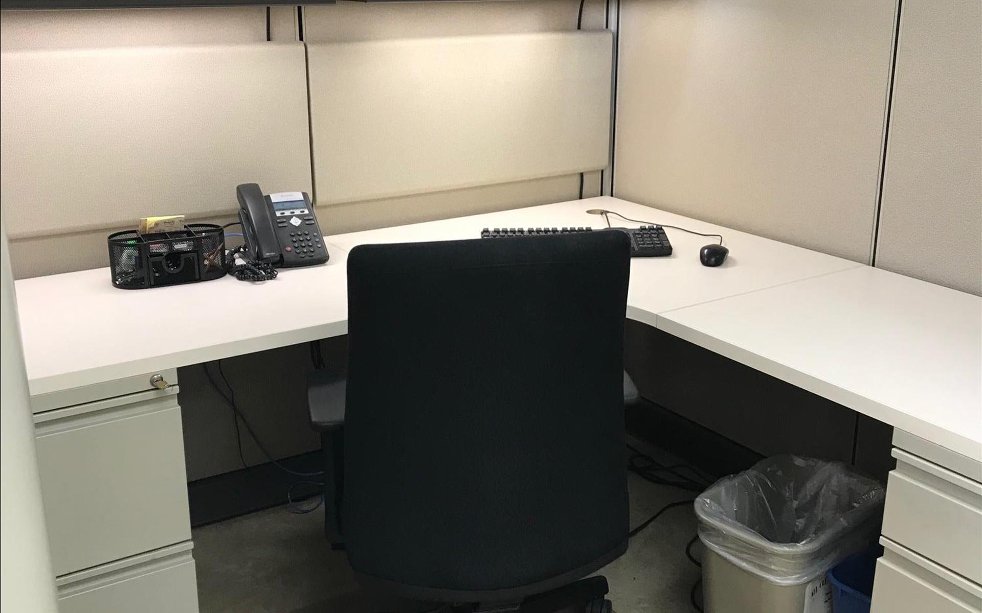 333 N. Michigan Avenue, Suite 2000 - Dedicated Desk 1