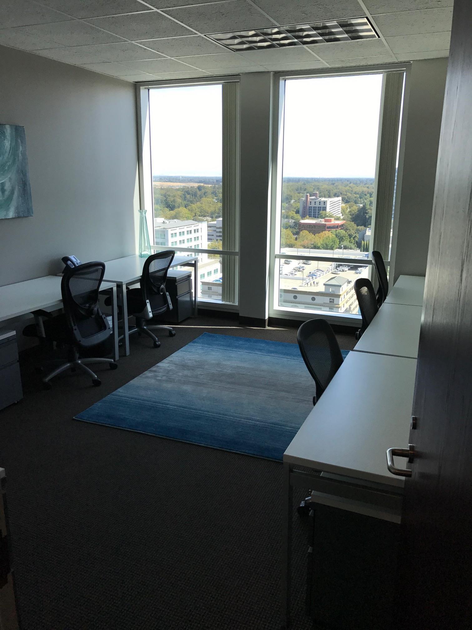 Regus- 9th Street - Co-working Office 34