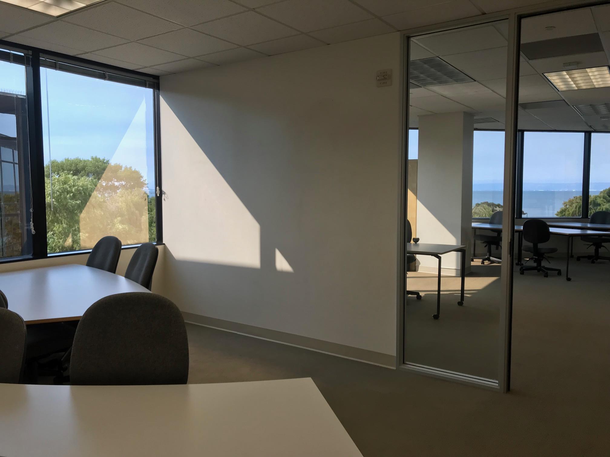 TUTORWORKS - Private office