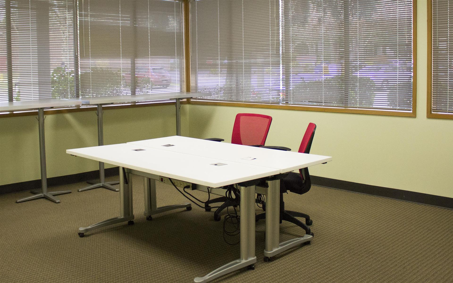 Blaze Space - Overlake PS Business Park (Bld 17) - Open Desks