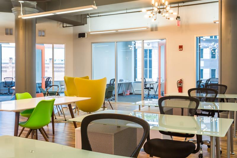 Level Office Golden Triangle - Co-Working Day Pass