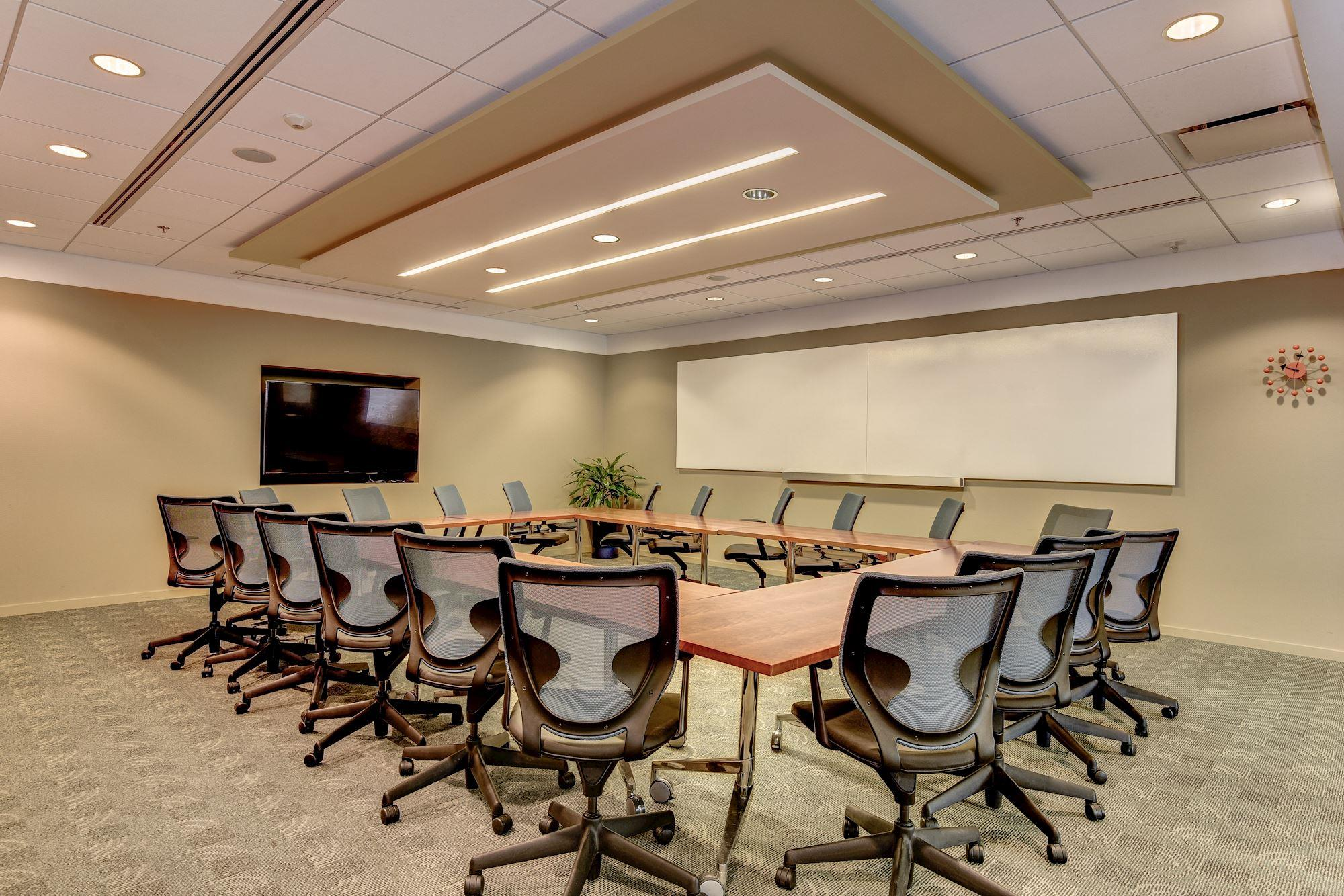 Carr Workplaces - Rosslyn - Arlington Training Room