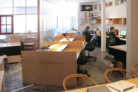 CCS ARCHITECTURE Creative Co-Working Space - Open Desk 1