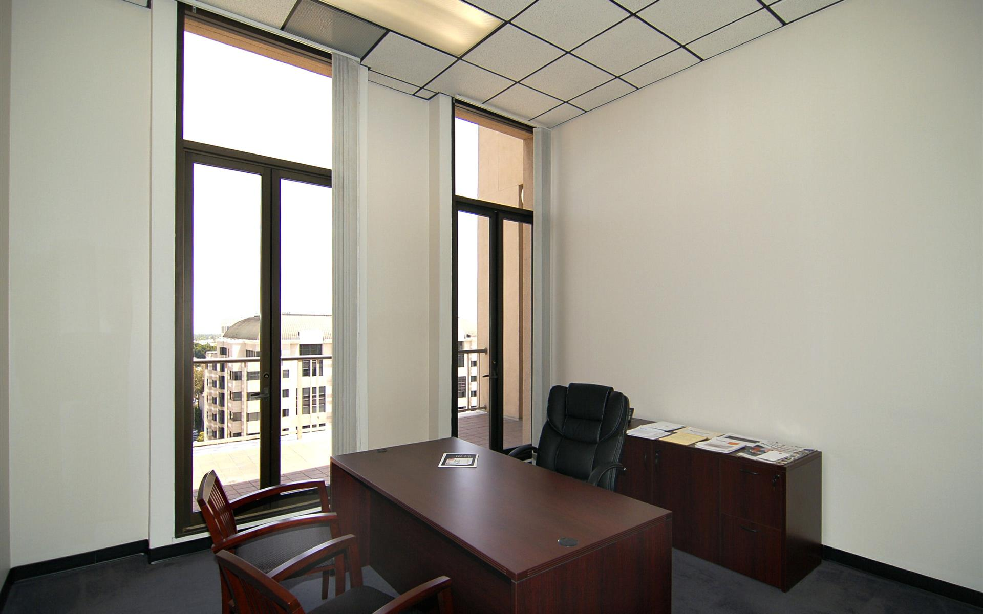 (PAS) 790 East Colorado - Window Office