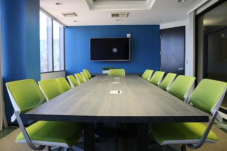 Pacific Workplaces - Bakersfield - Mondavi Boardroom