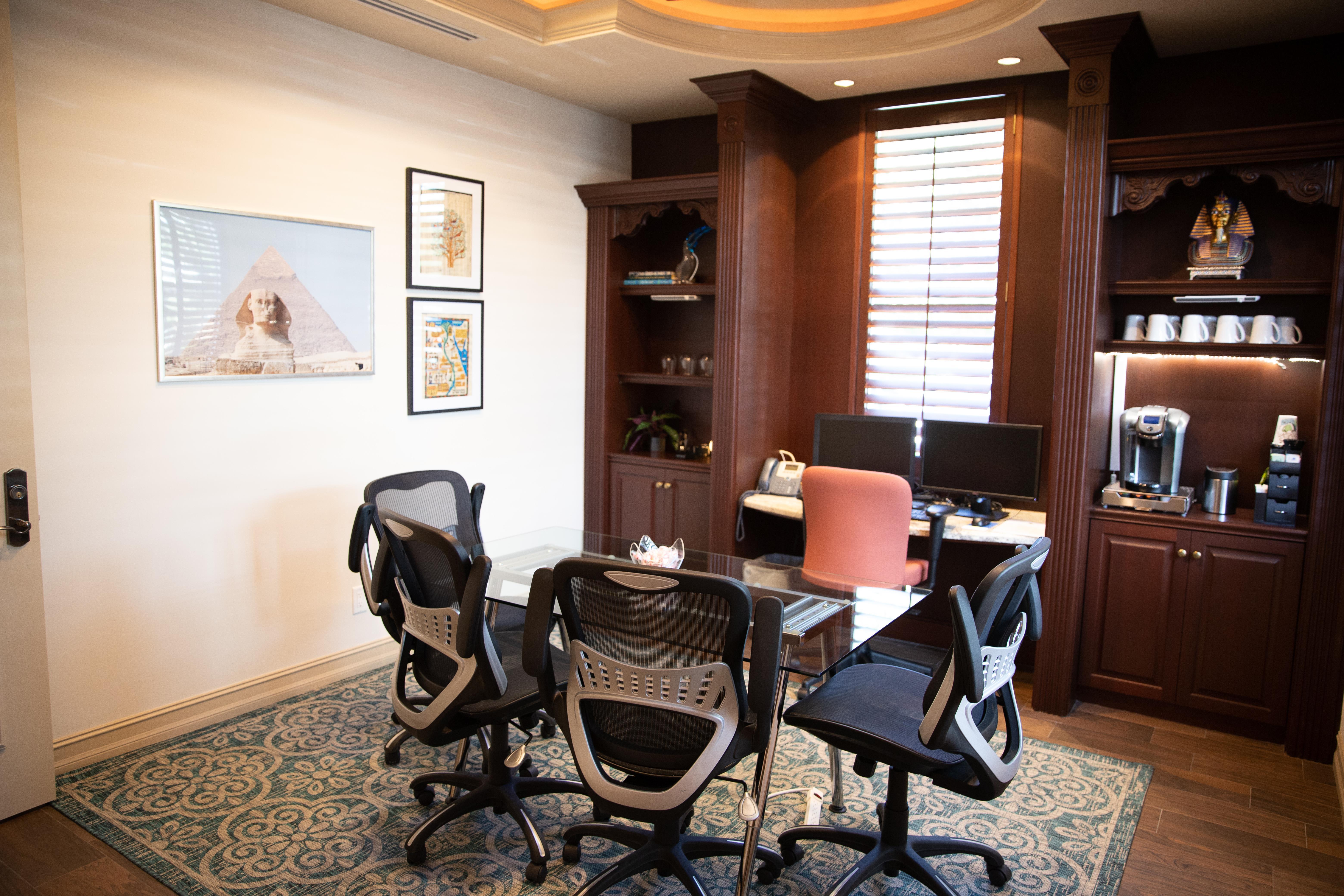 """Windsor """"Naples' Premier Meetings Venue"""" - Kensington Meetingroom"""