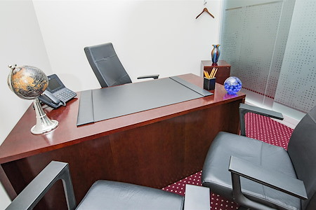 Servcorp - Boston One International Place - Private office with 1 workstation