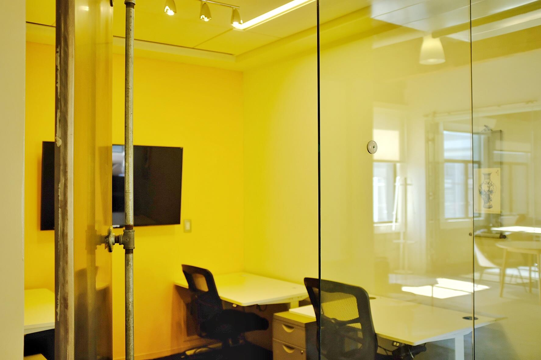 OnePiece SF - Office suite for 4