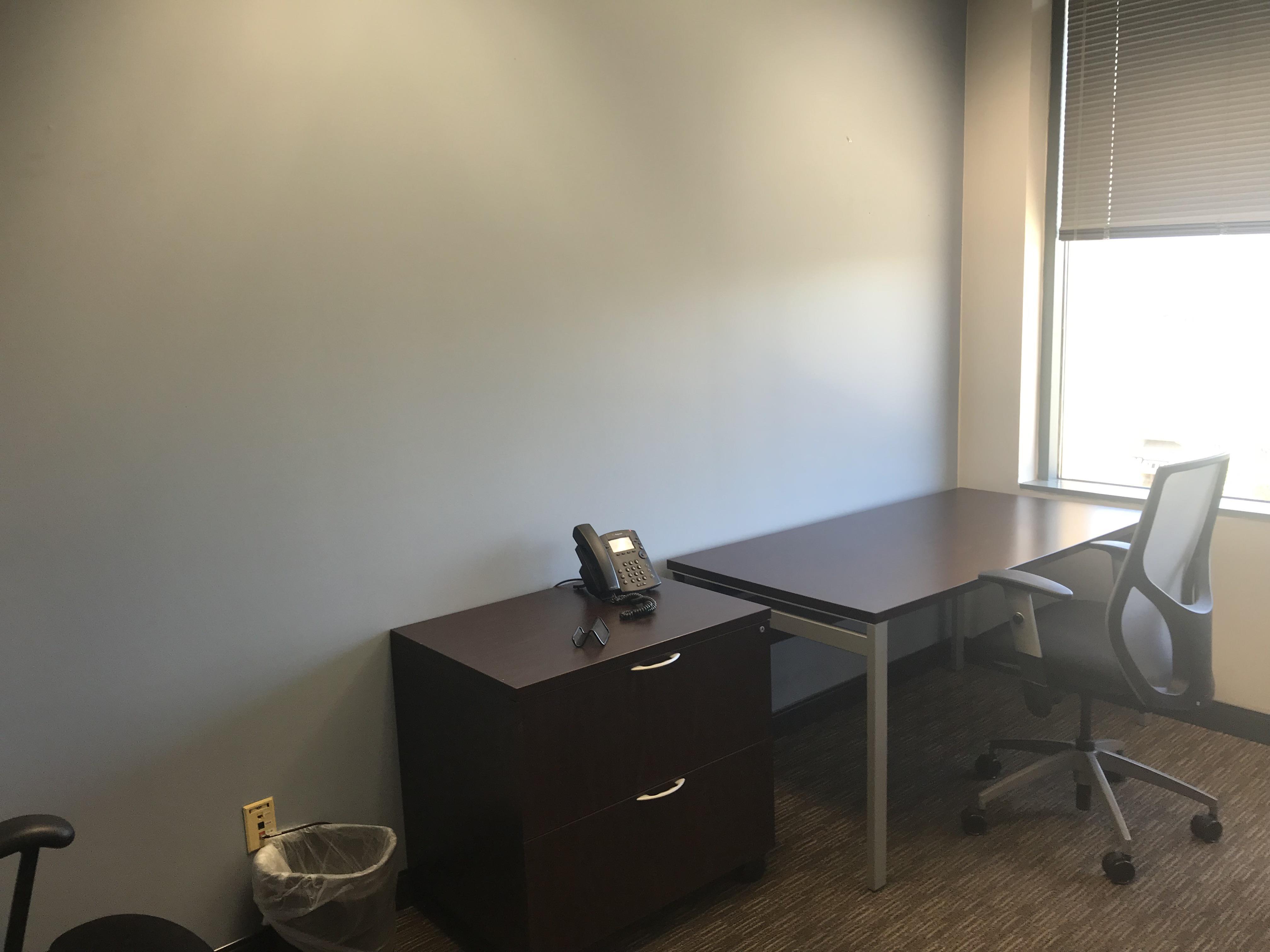 Regus at Scottsdale Fashion Square - Office 424