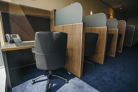 Servcorp - Chicago North La Salle - Coworking Lounge Workstation 2
