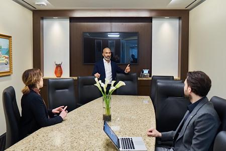Servcorp - Chicago 155 North Wacker - Executive Boardroom 14 people