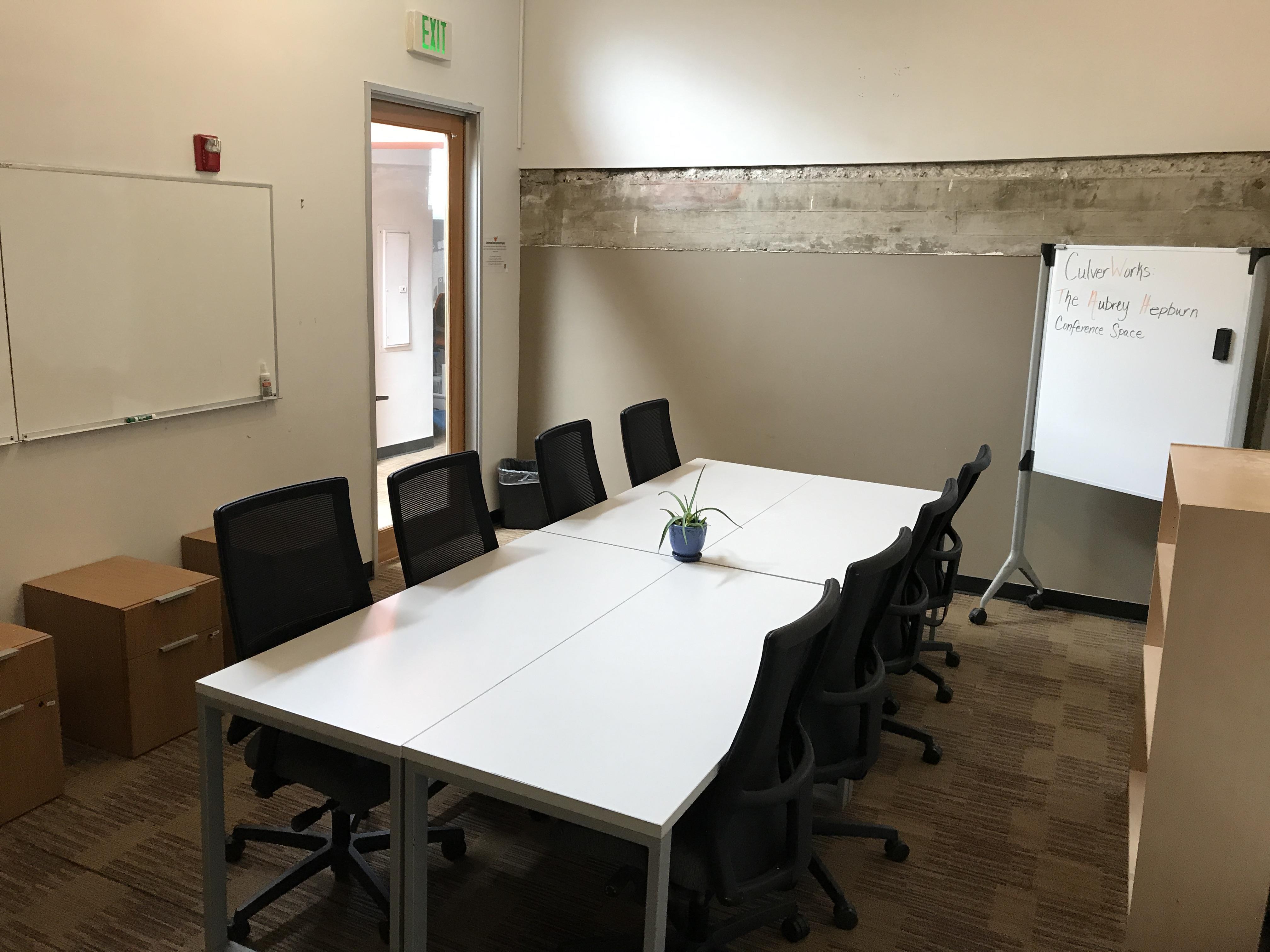 BLANKSPACES Culver City - FORMERLY CulverWorks - Meeting Room (The Audrey Hepburn)