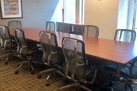 IWG US BANK TOWER CENTER - Meeting Room-