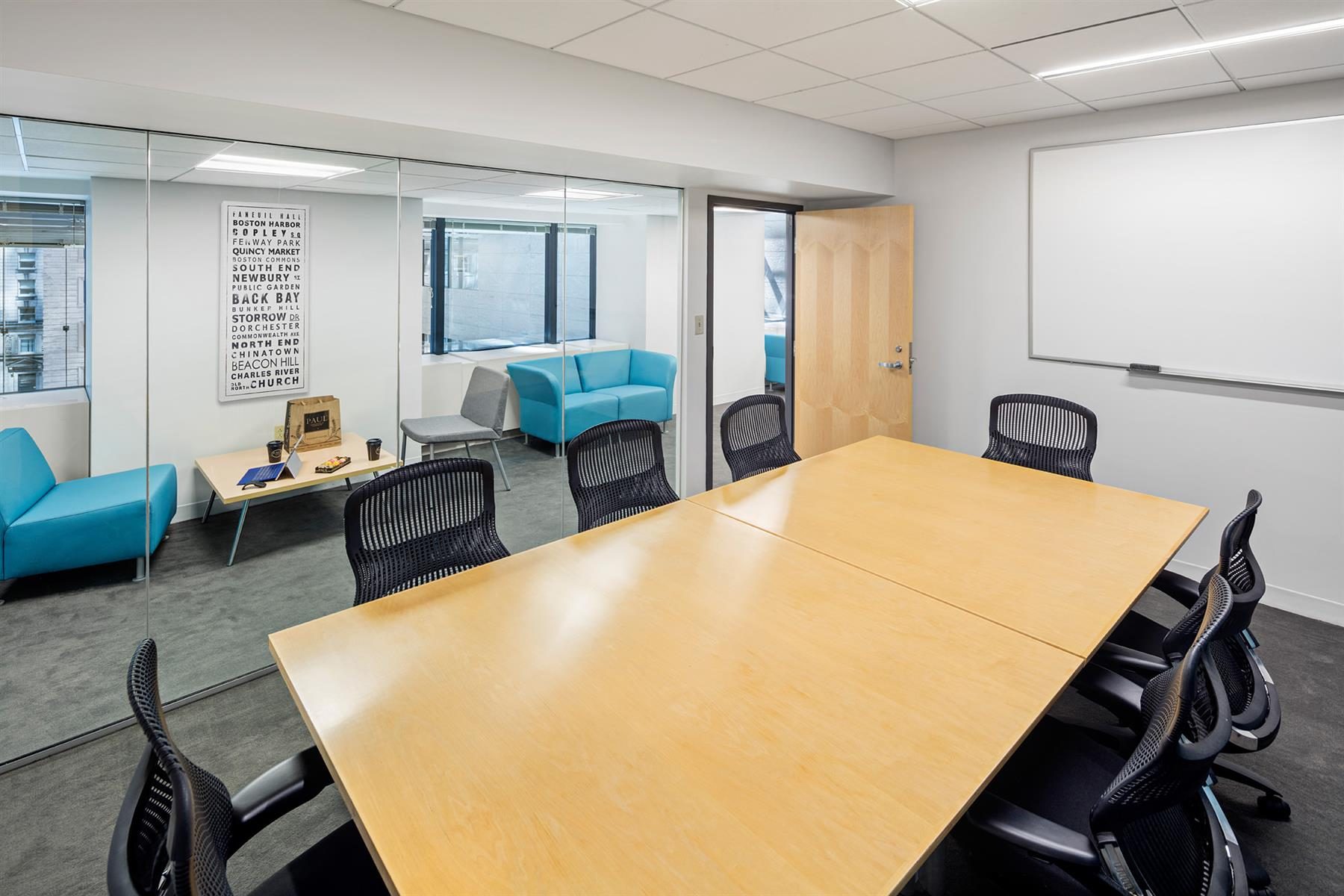 Boston Offices - Exchange Place - Meeting room with team space