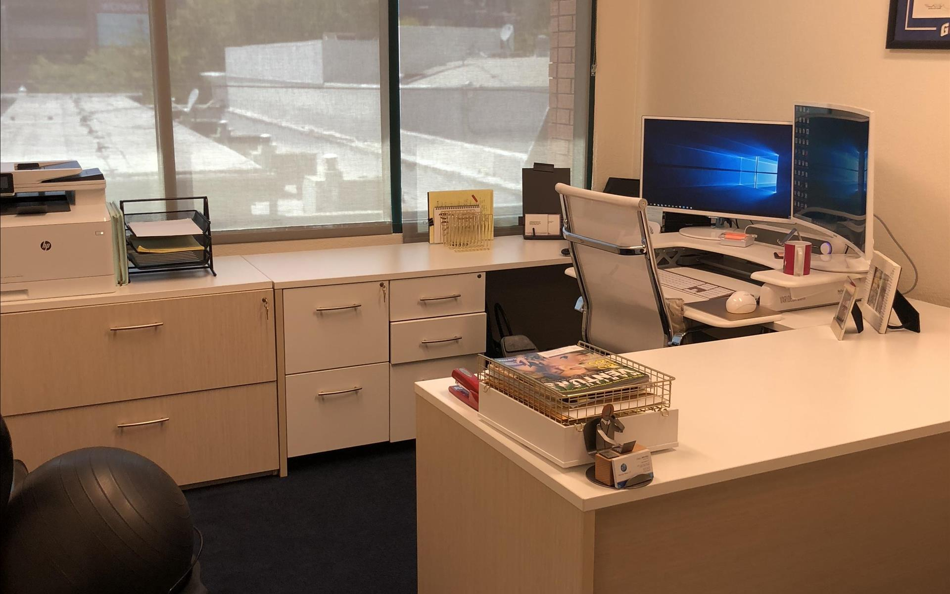 Downtown Walnut Creek offices-superb location & price!! - Downtown Walnut Creek Office for 1