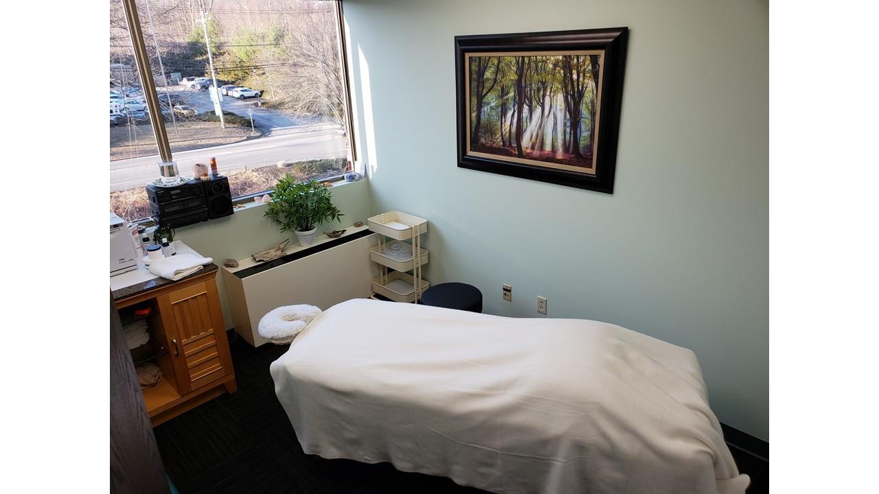 Barbara Belicia's - Massage Parlor