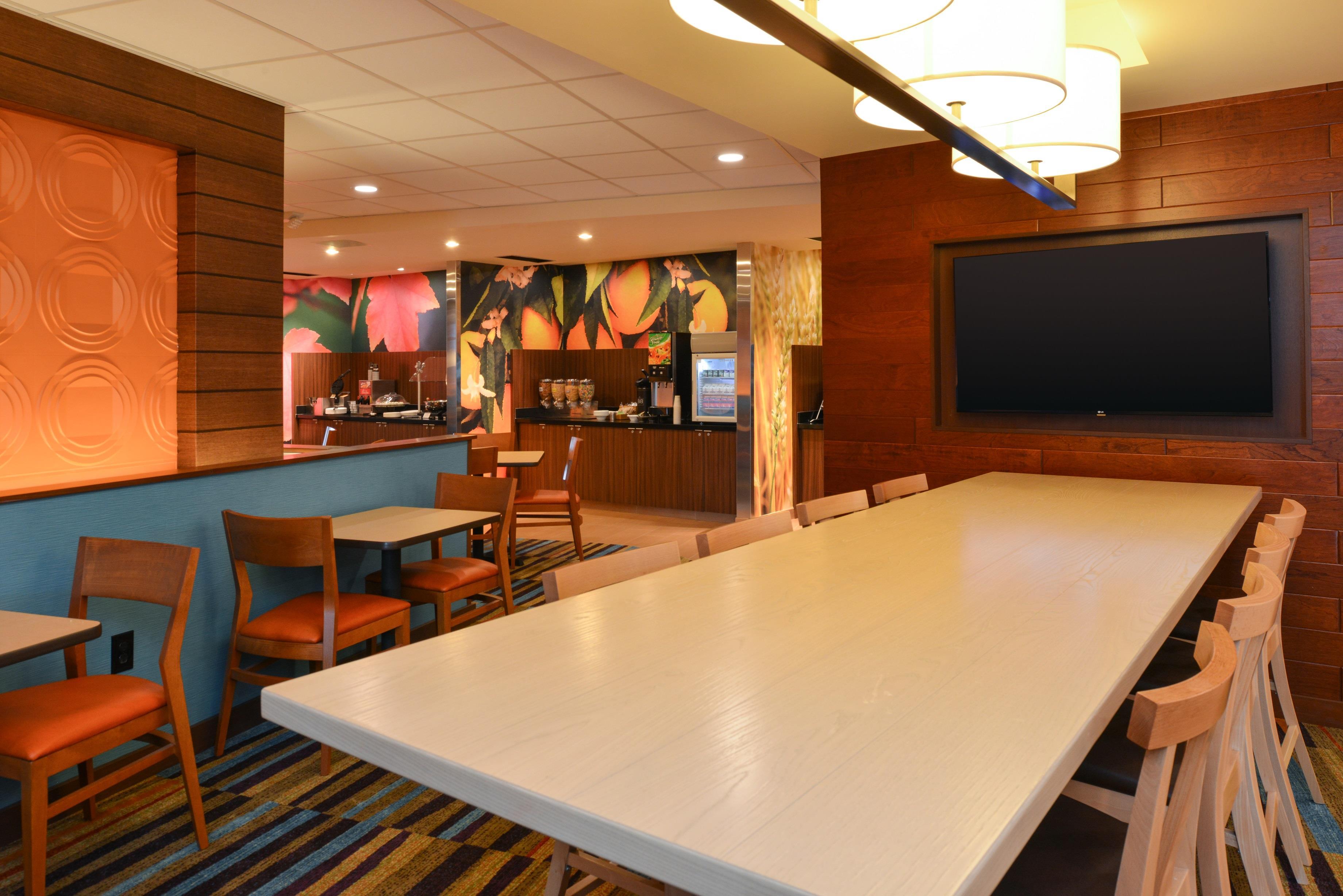 Fairfield Inn & Suites Santa Cruz - Lobby