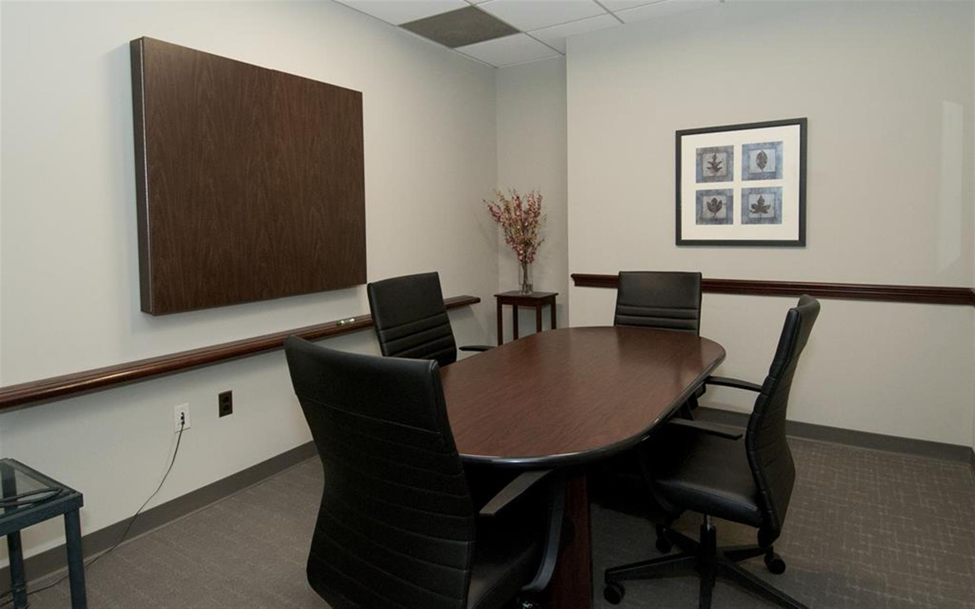 Source Office Suites Arlington - Conference Room B