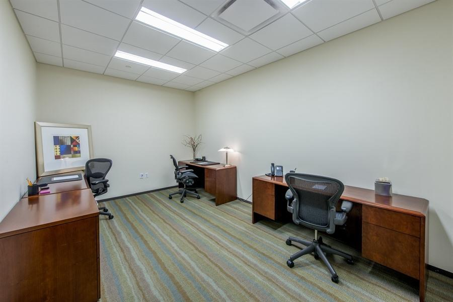 Carr Workplaces - Reston Town Center - Touch Down Desk- Part time