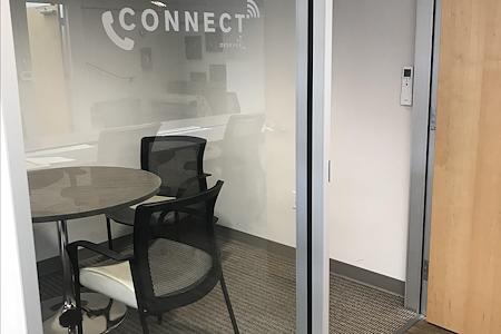 Cross Campus San Diego - Mini Meeting Room
