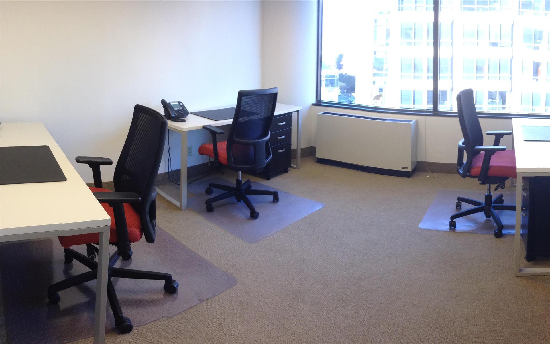 Metro Offices - Chevy Chase - Flex Desk