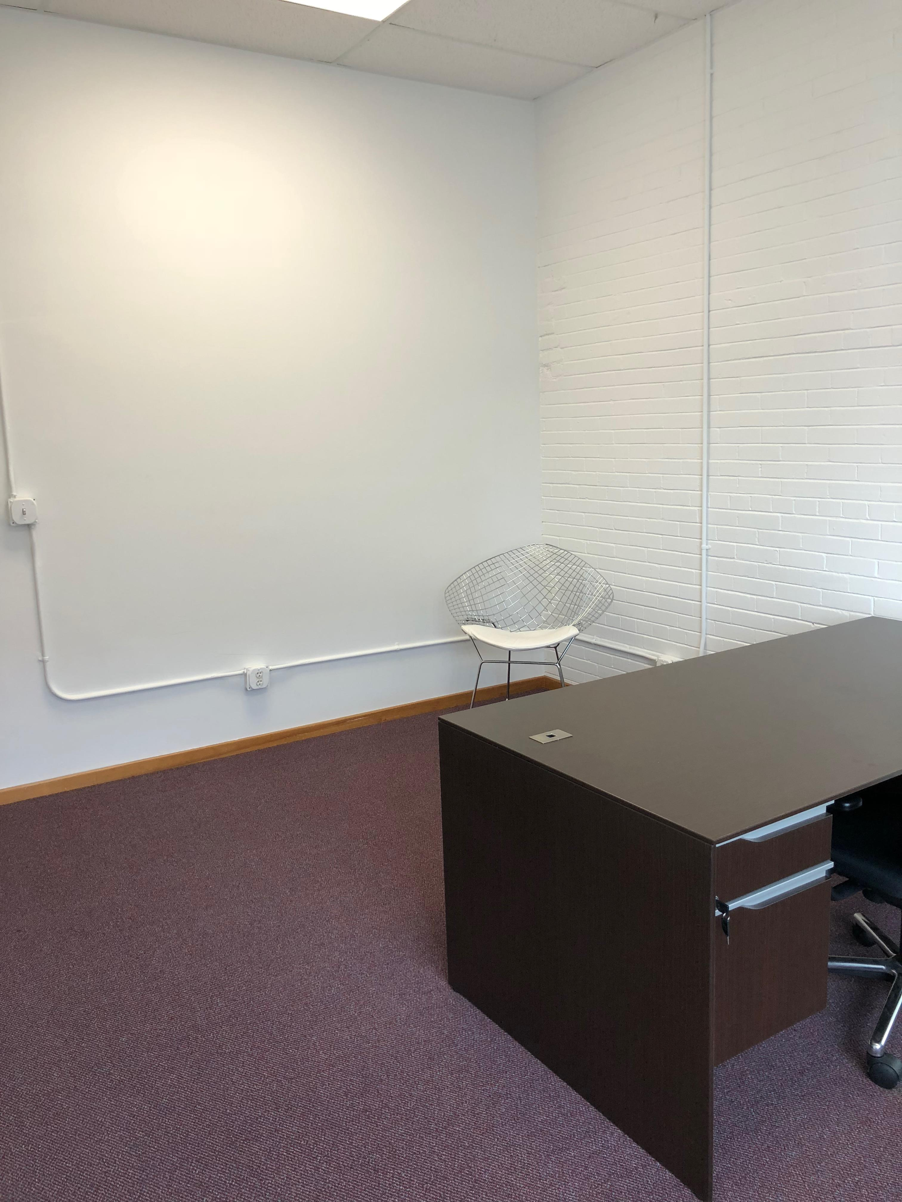 nicheoffice Suites, CoWorking and Desks - Street Facing Private Office