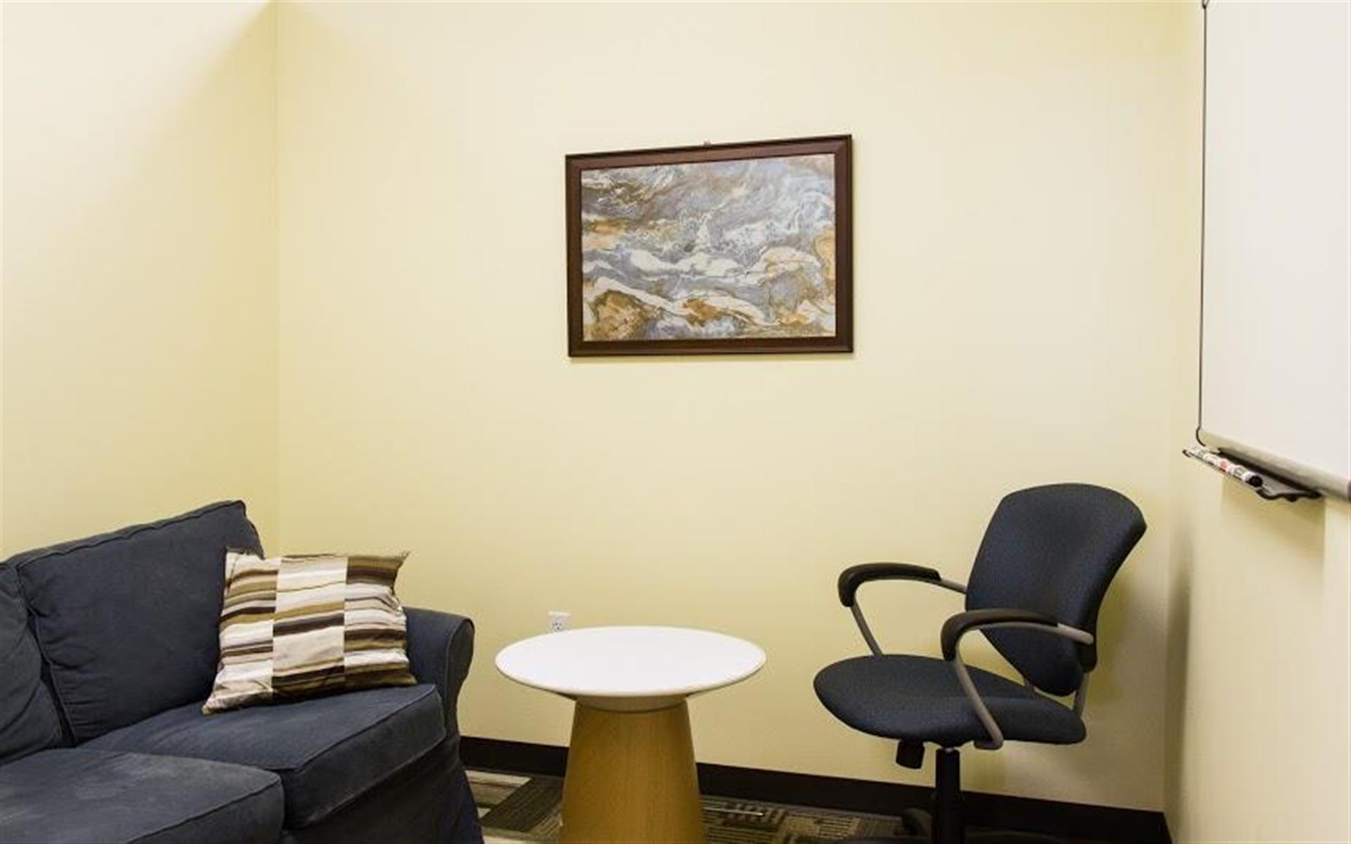 Orange Coworking - Kolache Small Room
